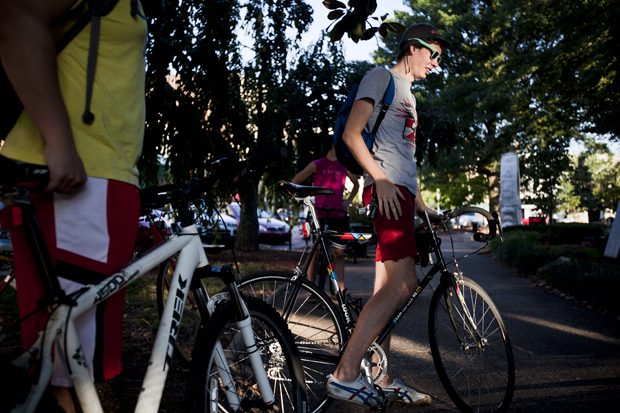 Senior+Seth+Short%2C+21%2C+of+Madisonville%2C+takes+part+in+Critical+Mass+an+event+to+promote+cycling+safety+in+Bowling+Green+each+month.+Short+is+one+of+the+organizers+of+Critical+Mass+where+he+rides+each+month+on+the+roads+in+Bowling+Green+with+a+group+of+cyclists.+