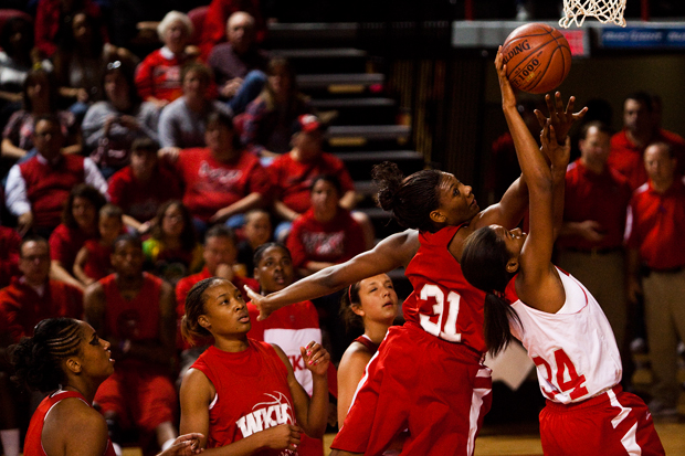 Junior+forward+LaTeira+Owens+scored+12+of+the+Red+teams+18+points+and+had+10+rebounds+at+WKUs+Oct.+16+Hilltopper+Hysteria.