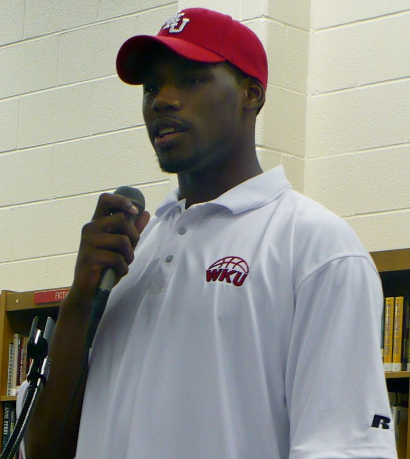 Warren+Central+forward+George+Fant%2C+a+three-star+recruit+as+rated+by+Rivals.com%2C+announced+his+verbal+commitment+to+the+WKU+basketball+team+on+Monday.