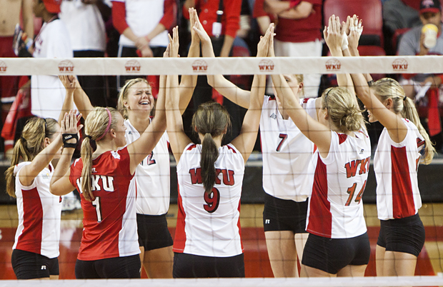 The+Lady+Toppers+huddle+before+Saturday%27s+game+against+Florida+International+at+Diddle+Arena.+WKU+swept+the+Panthers+to+stay+perfect+in+Sun+Belt+Conference+play.
