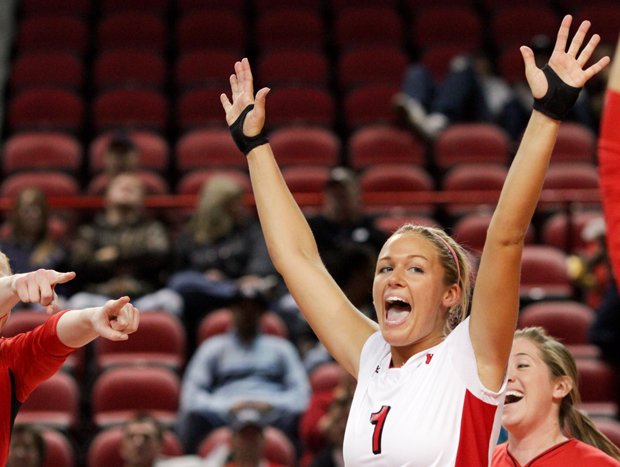 Sophomore+defensive+specialist+Sara+Rogers+reacts+after+scoring+during+the+second+set+against+South+Alabama+at+Diddle+Arena+on+Saturday.