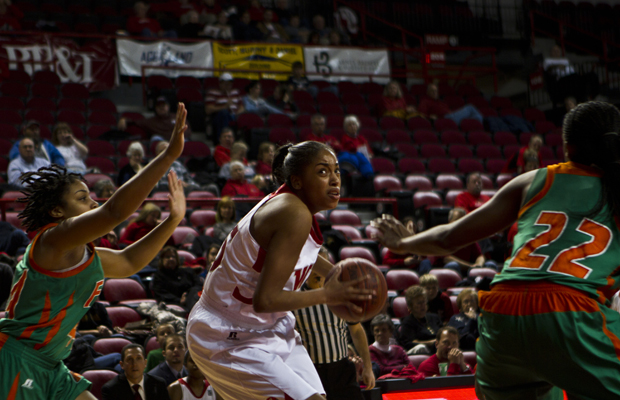 Junior+center+Jasmine+Johnson+prepares+to+take+a+shot+during+the+Lady+Toppers%27+game+against+the+Florida+A%26amp%3BM+Rattlers+on+Sunday+afternoon.+WKU%27s+junior+class+made+20+of+the+team%27s+21+field+goals+in+the+second+half+of+the+57-50+win.++DELAYNA+EARLEY%2FHerald