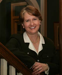 Bowling Green Mayor Elaine Walker was appointed on Friday to be Kentuckys next Secretary of State, Governor Steve Beshear announced. Walker replaces Trey Grayson.