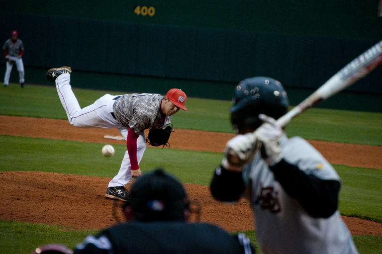Sophomore+pitcher+Andrew+Zimmerman+pitches+during+WKU%27s+second+game+against+Arkansas+State+on+Saturday.+The+Toppers+defeated+ASU+13-2.