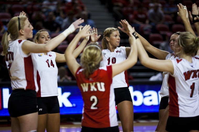 The+volleyball+team+joins+hands+in+a+huddle+before+the+start+of%0Atheir+second+set+during+their+game+against+Arkansas+State+earlier%0Athis+season.+The+No.+26+Lady+Toppers+prepare+to+take+on+rival+MTSU%0Aat+7+p.m.+tonight+at+Diddle+Arena.%0A