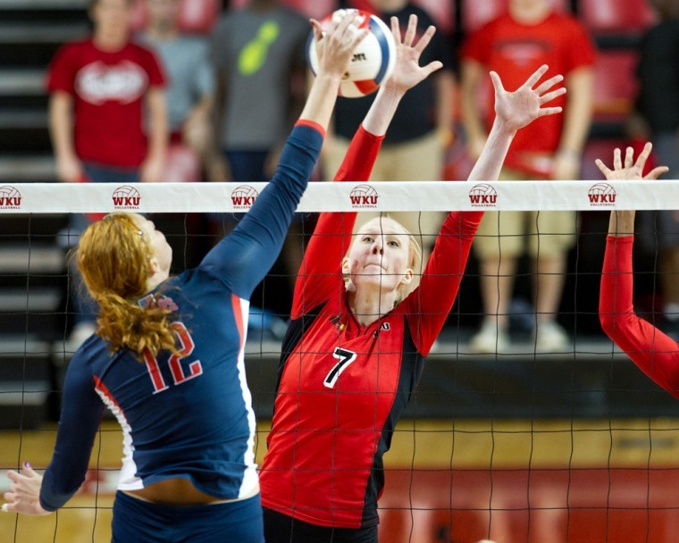 Senior+middle+hitter+Tiffany+Elmore+blocks+the+spike+of+South%0AAlabama%27s+Olivia+Mohler+during+their+match+at+Diddle+Arena.+WKU%0Aswept+the+match+3-0.%C2%A0%0A