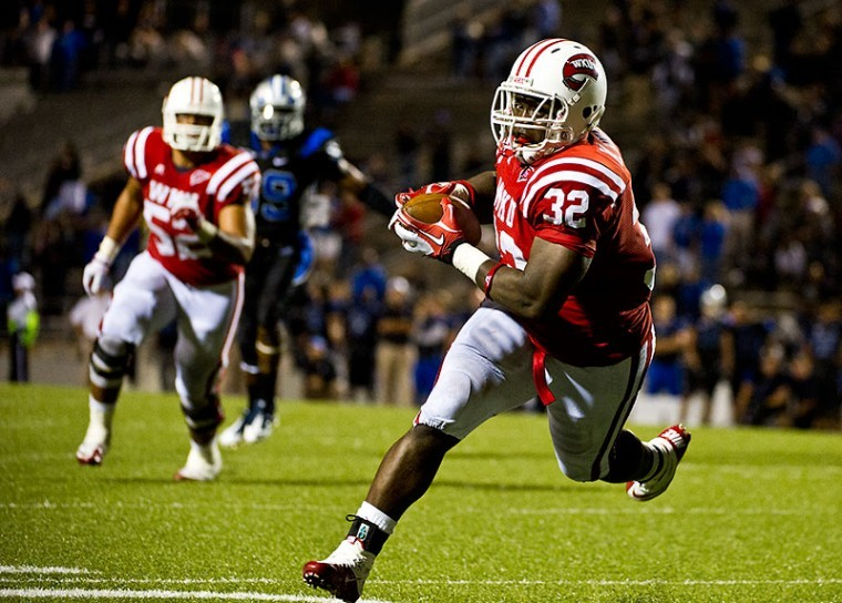 Sophomore+fullback+Kadeem+Jones+runs+after+a%0Areception+during+WKU%27s+Oct.+6+win+over+Middle+Tennessee+State.+The%0AToppers+play+Florida+Atlantic+at+3+p.m.+Saturday+in+Boca+Raton%2C%0AFla.%C2%A0%0A