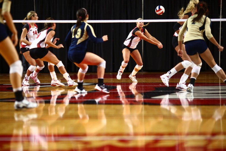 Junior+outside+hitter+Jordyn+Skinner+bumps+a+shot+from+Florida%0AInternational+during+the+Lady+Toppers%27+home+game+against+FIU+on%0AFriday+evening+in+E.A.+Diddle+Arena.+WKU+won+3-0.%C2%A0%0A