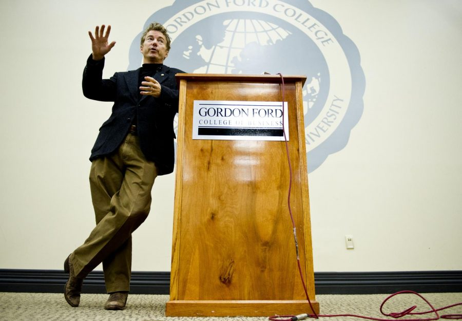 Sen. Rand Paul, R-Ky., spoketo students and signed his book,