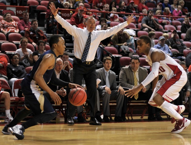 Head+Coach+Ken+McDonald+motions+to+his+team+during+the+second%0Ahalf+of+Saturday%27s+game+against+Florida+International.+WKU+will%0Aface+Louisiana-Lafayette+at+7+p.m.+Thursday.%0A