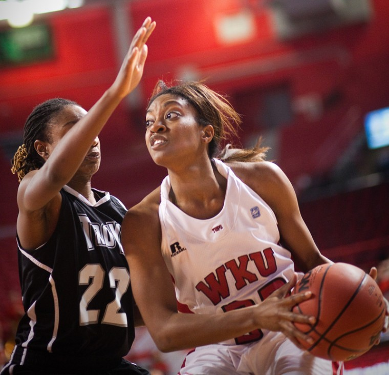 Senior+Vanessa+Obafemi+works+her+way+past+Troy%27s+defense+during%0Athe+Lady+Toppers%27+game+on+Saturday%2C+Jan.+7+in+Diddle+Arena.+WKU%0Awon%2C+64-38.%0A