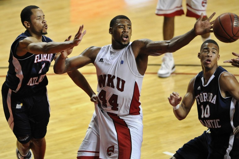 WKU+freshman+forward+George+Fant+fights+for+a+rebound+Wednesday%0AFebruary+16%2C+2012+against+Florida+Atlantic+at+E.A.+Diddle+Arena+in%0ABowling+Green%2C+Ky.+WKU+won+64-57.%0A