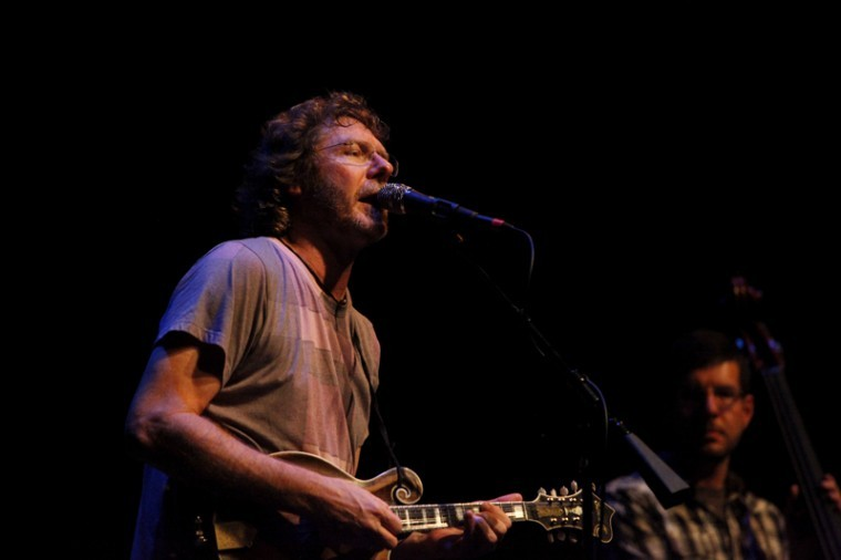 Bowling+Green+native%2C+Sam+Bush%2C+played+at+the+Southern+Kentucky+Performance+Arts+Center+on+Friday+night.+Bush+is+a+Grammy+Award-winning+multi-instrumentalist.+He+is+known+for+his+mandolin+skills+and+as+the+%22Father+of+Newgrass.%22%0A