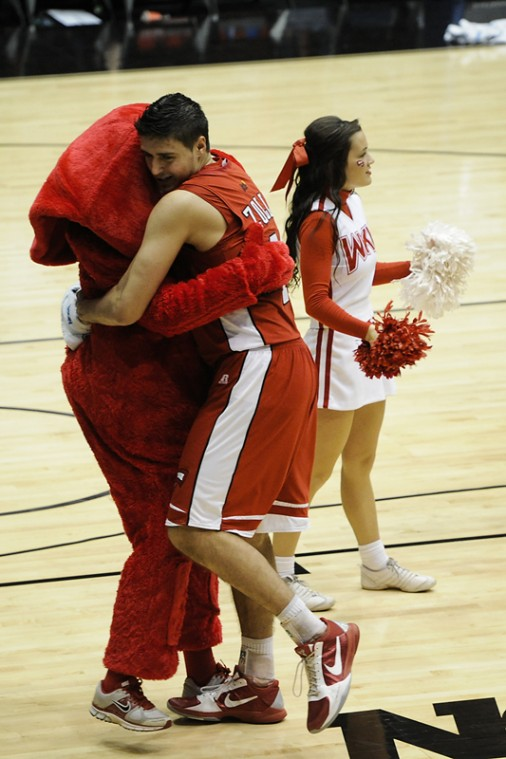 Freshman+Vinny+Zollo+hugs+Big+Red+after+WKU%27s+defeat+of+Mississippi+Valley+State+Tuesday+at+the+University+of+Dayton+Arena+in+Dayton%2C+Ohio.+WKU+beat+MVSU+59-58.%0A