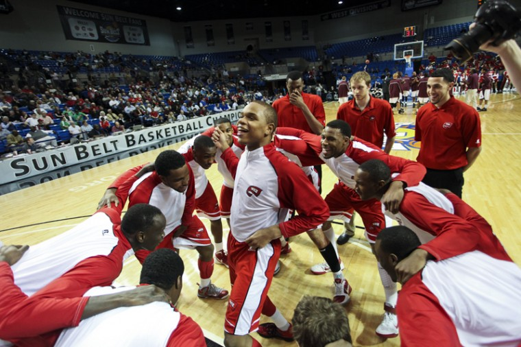 Freshman+guard+Derrick+Gordon+pumps+up+his+teammates+before+their+game+at+the+Sun+Belt+Tournament+against+UALR+on+Sunday%2C+March+4+in+Hot+Springs%2C+Ark.+Gordon+scored+15+points+to+help+WKU+win+68-63.%C2%A0%0A