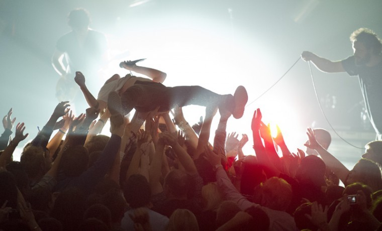 Lead+vocalist+and+Bowling+Green+native+Matt+Schultz+of+Cage+the+Elephant+crowd+surfs+during+Cage+the+Elephant+and+Schools%27+show+at+Marathon+Music+Works+in+Nashville+Wednesday+night.%0A