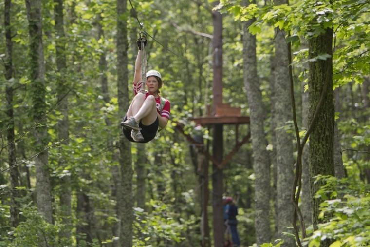 Scottsville+senior+Kari+McConnell+zip+lines+Thursday+at+Mammoth+Cave+Adventures+Zipline+in+Cave+City.+McConnell+is+currently+training+to+receive+her+ziplining+certification+before+beginning+her+internship+at+the+company%0A