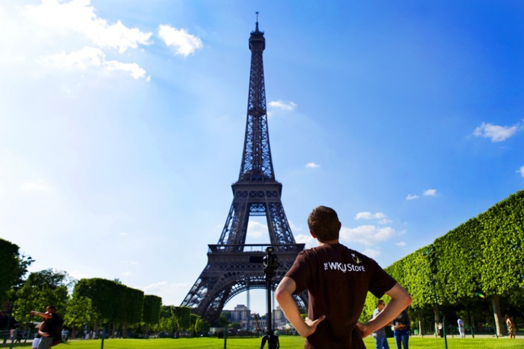 Study+abroad+ambassador+Nate+Hovee+shoots+footage+of+the+Eiffel+Tower+for+his+collaborative+journalism+class+in+June.+Hovee+traveled+to+Paris+for+the+course+taught+by+WKU+professor+Kerry+Northrup.%0A
