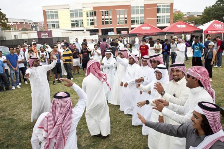 WKU+Saudi+Club+celebrate+the+the+founding+of+Saudi+Arabia+on+South+Lawn.+%C2%A0Saudi+Arabia%E2%80%99s+founding+was+82+years+ago.%0A