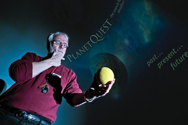 Planetarium+coordinator%2C+Ronn+Kistler%2C+poses+for+a+portrait+after+his+presentation+of+Planet+Quest+at+Hardin+Planetarium+Nov.+13.%0A