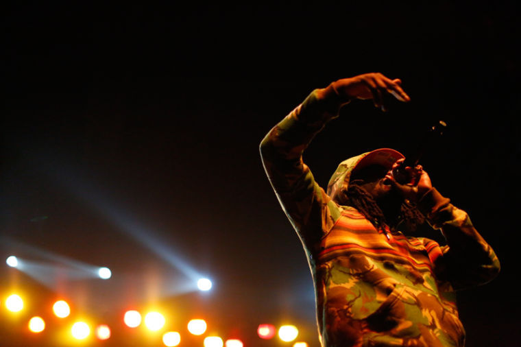 Wale+MMG+preforms+during+The+BIG+SHOW+2013+held+by+the+WKU+Campus+Activities+Board+in+Diddle+Arena+Friday.%0A