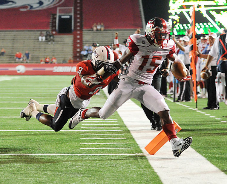 Freshman Nicholas Norris scores a touchdown against South Alabama. WKU plays South Alabama on Saturday Sept. 14, 2015 at Ladd-Peebles Stadium in Mobile, Ala.