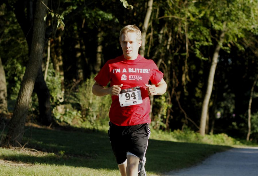 Joey+Badinger+of+Crestwood+Ky%2C+runs+in+Alpha+Delta+Pi+sororitys+second+annual+Run+for+Ronald+at+Kereiakes+Park.+Badinger+won+the+race+with+a+time+of+20+minutes+and+36.9+seconds.