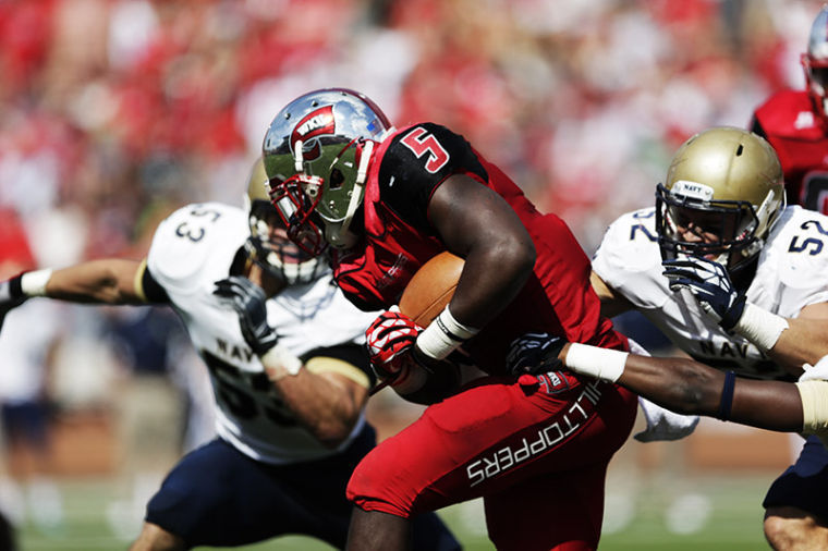WKU%27s+Antonio+Andrews+runs+for+a+first+down+during+their+game+against+Navy+at+Western+Kentucky+University+on+Saturday%2C+September+28%2C+2013.%C2%A0