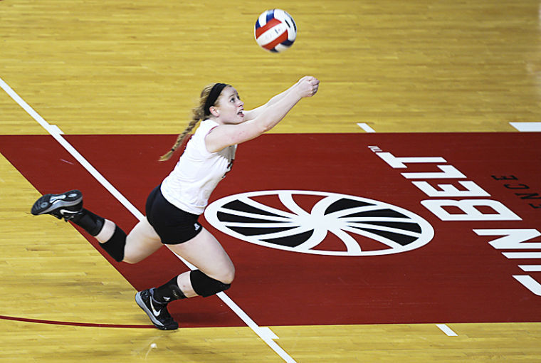 WKU+freshman+Defensive+Specialist+Georgia+O%27Connell+reaches+to+save+the+volleyball.+WKU+won+3-0+against+Texas-Arlington+on+Saturday+Oct.+05%2C+2013+at+Diddle+Arena.%C2%A0