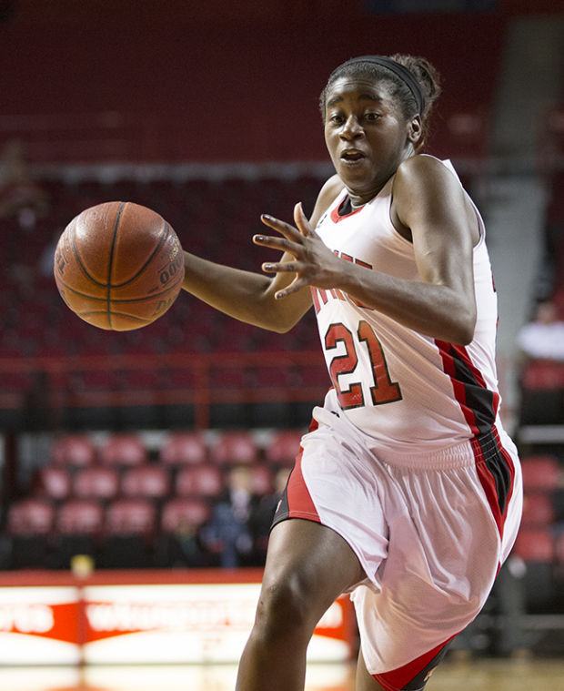 Junior+guard+Alexis+Govan+drives+to+the+basket+during+Tuesday+nights+exhibition+game+against+Kentucky+Wesleyan.+The+Lady+Toppers+won+87-49.%C2%A0