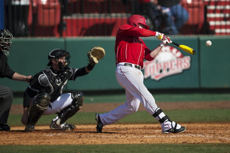 WKU%27s+senior+infielder+Scott+Wilcox+%2811%29+hits+a+home+run+giving+the+Toppers+a+5-4+lead+over+Southern+Illinois+in+the+5th+inning+Feb.+16%2C+2014%2C+at+Nick+Denes+Field+in+Bowling+Green%2C+Ky.+The+Toppers+would+go+on+to+win+6-4.+%28Mike+Clark%2FHERALD%29