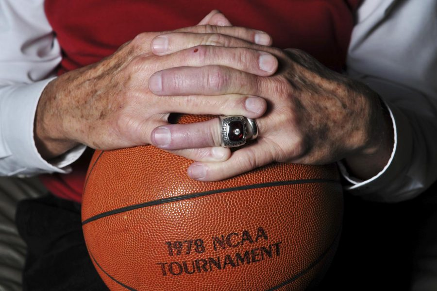 Former+WKU+head+basketball+coach+Jim+Richard%2C+an+Adair+County%2C+Ky+native%2C+coached+the+WKU+basketball+team+as+the+Head+Coach+from+1971-1978+in+which+they+won+the+Ohio+Valley+Conference+Tournament+in+1978+which+gave+them+a+bid+to+the+NCAA+basketball+tournament+where+they+beat+%235+ranked+Syracuse+to+advance+to+the+Sweet+Sixteen.+%28Jeff+Brown%2FHERALD%29