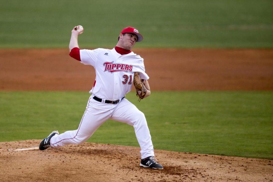 WKU%27s+senior+right+handed+pitcher+Justin+Hageman+%2831%29+pitches+during+the+Topper%27s+4-1+victory+over+Texas+State+Friday%2C+March+21%2C+2014%2C+at+Nick+Denes+Field+in+Bowling+Green%2C+Ky.+Hageman+pitched+all+nine+innings+notching+nine+strike+outs+and+allowing+only+four+hits.+%28Mike+Clark%2FHERALD%29