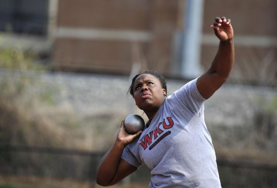 Senior+shot+put+thrower+Jessica+Ramsey+practices+on+Tuesday+WKU%27s+Track+and+Field+Complex.+%28Jeff+Brown%2FHERALD%29
