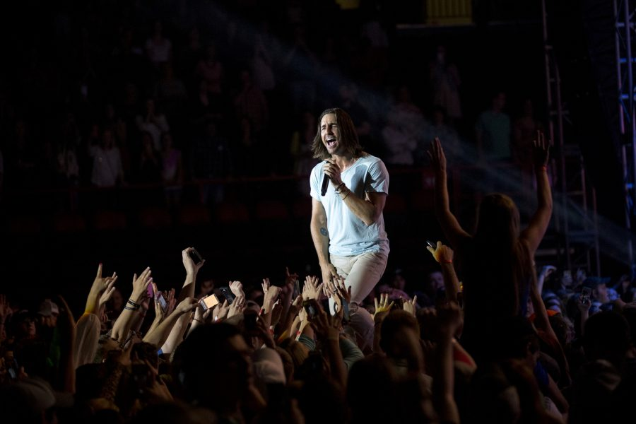 Jake Owen sings during his concert Thursday, April 24, 2014 at E.A. Diddle Arena in Bowling Green, Ky. (Mike clark/HERALD)