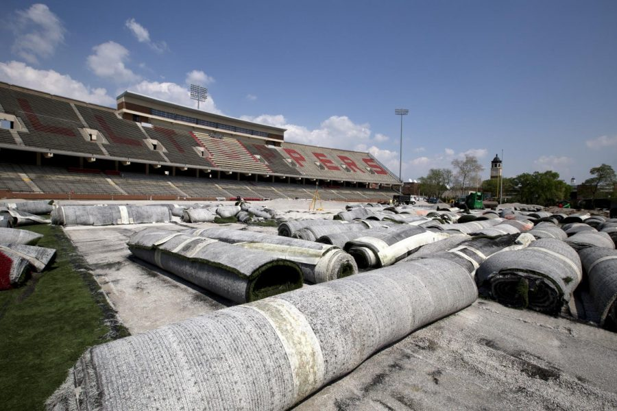 Rolled+up+artificial+turf+sits+on+the+field+of+Houchens+Industries+-+L.T.+Smith+Stadium+while+the+field+is+being+resurfaced+Tuesday%2C+April+22%2C+2014%2C+in+Bowling+Green%2C+Ky.+The+turf+replacement+is+expected+to+take+six+weeks+to+complete.+%28Mike+Clark%2FHerald%29