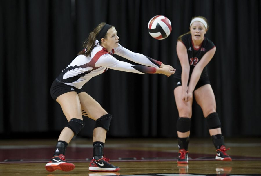 Sophomore+defensive+specialist+Kaelin+Grimes+digs+the+ball+during+WKUs+3-0+win+over+Belmont+on+Tuesday%2C+Sept.+2+in+Diddle+Arena+in+Bowling+Green.+Mike+Clark%2FHERALD