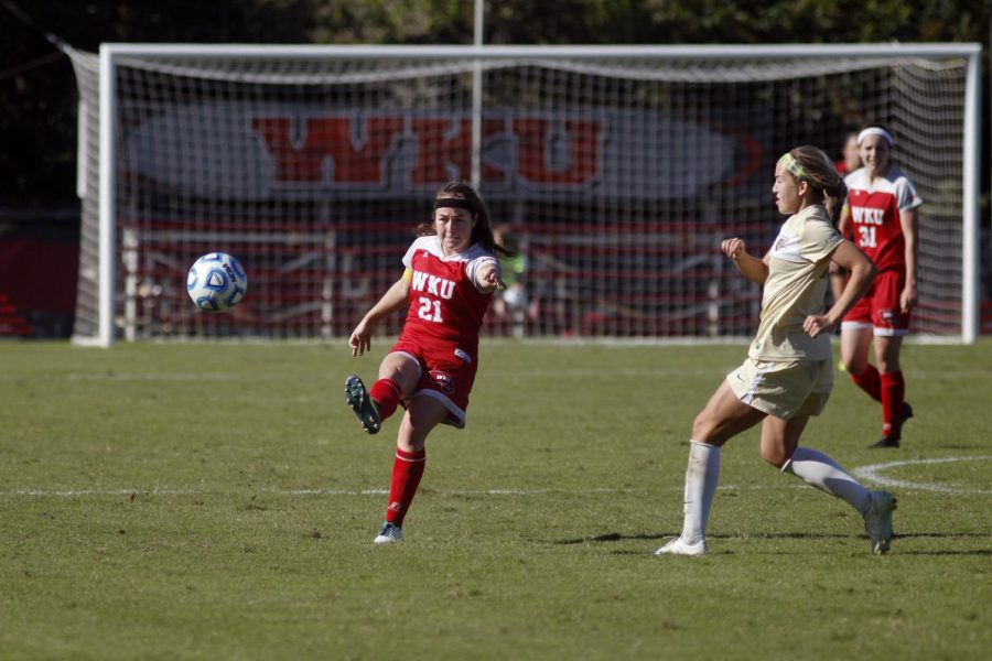 WKU+senior+midfielder+Allie+Auscherman+%2821%29+advances+the+ball+down+field+at+the+WKU+vs+UAB+game+on+Oct.+19.+Auscherman%2C+the+only+senior+on+the+team%2C+was+honored+at+the+game+as+part+of+Senior+Day.+Jake+Pope%2FHERALD