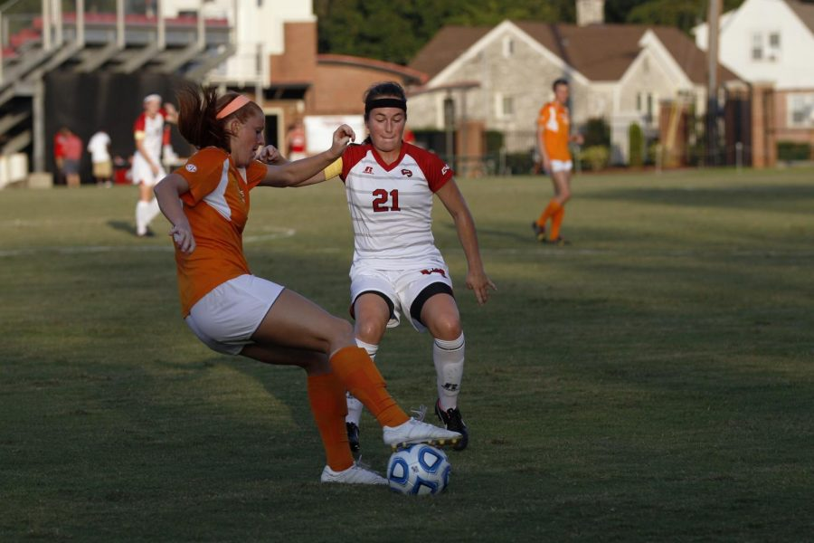 %C2%A0Senior+midfielder+Allie+Auscherman+attempts+to+steal+the+ball+from+an+opposing+player+during+the+WKU+vs.+Tennessee+game+on+Sept.+5.%C2%A0Brandon+Carter%2FHERALD