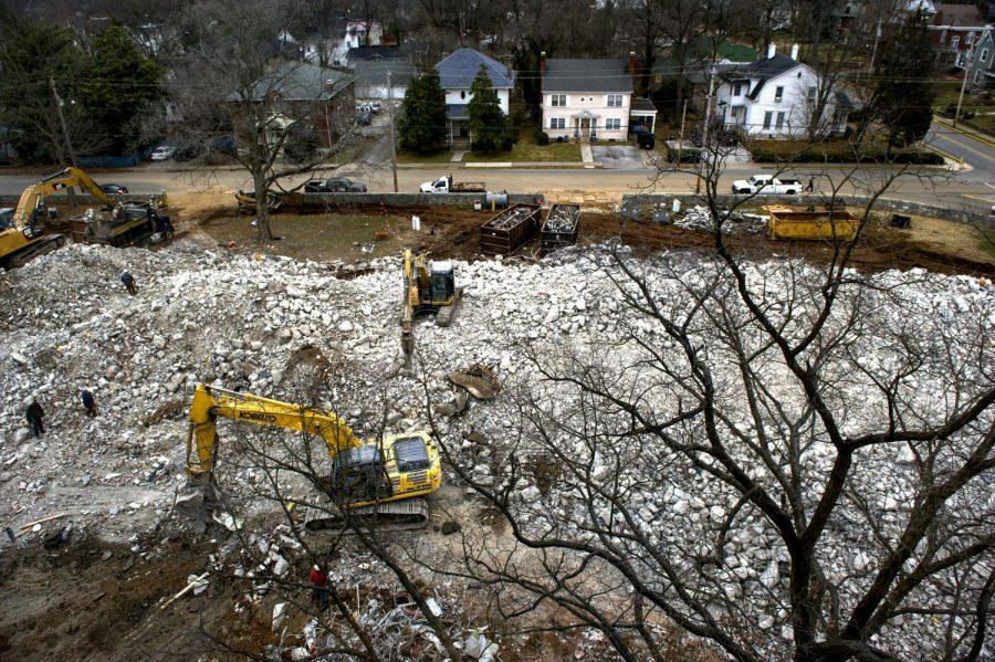 WKU%27s+Thompson+Complex+demolition+continues+as+Complete+Demolition+Services+continues+to+clean+up+the+rubble.
