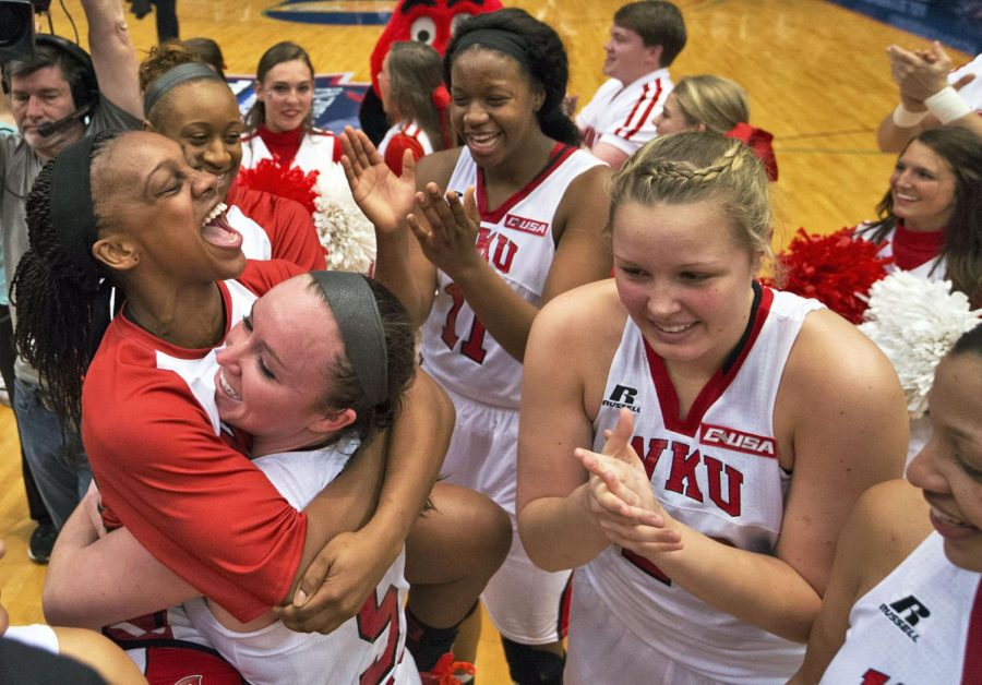 Lady+Toppers+vs+S.+Mississippi