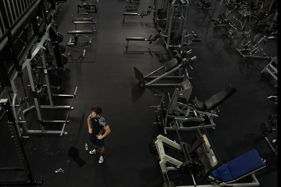 Jared+Coffell%2C+19%2C+takes+a+break+between+workouts+at+the+Elizabethtown+Athletic+Club+in+Elizabethtown%2C+Ky.%2C+a+few+weeks+before+his+physique+competition.+%22Ive+been+going+to+EAC+for+around+a+year%2C%22+said+Coffell.+%22EAC+was+where+I+was+first+asked+to+compete+in+a+physique+competition.%22+Harrison+Hill%2FHERALD