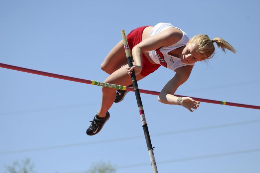 Morgan+McIntyre%2C+of+Ashland%2C+pole+vaults+during+the+Hilltopper+Relays%2C+April+11+at+the+Ruter+Track+and+Field+Complex.+Ashley+Cooper%2FHERALD