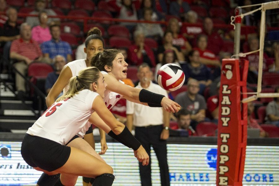 Sophomore+outside+hitter+Jackie+Scott+%2824%29+and+senior+outside+hitter+Rachel+Engle+%2815%29+go+for+the+ball+during+WKU%E2%80%99s+3-0+win+against+Louisiana+Tech+on+Friday.+Scott+and+Engle+recorded+three+and+five+kills+respectively+in+the+Lady+Toppers%E2%80%99+win+over+the+Lady+Techsters.+Shaban+Athuman%2FHERALD