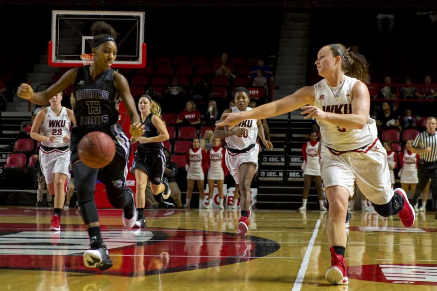 Redshirt+senior+guard+Micah+Jones+%285%29+passes+the+ball+across+the+court+during+WKU%27s+98-51+win+over+Young+Harris+College+on+Thursday%2C+Nov.+3%2C+2016%2C+at+Diddle+Arena.+Michelle+Hanks%2FHERALD