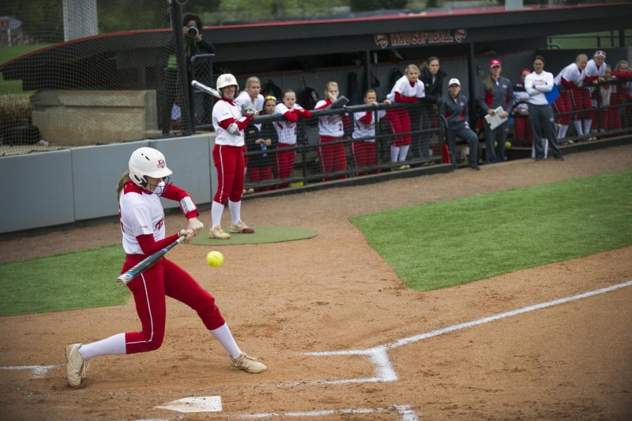 Maple+Grove%2C+Minnesota+sophomore+Jordan+Mauch+hits+a+single+in+the+first+inning+of+the+softball+game%27s+first+game+of+a+double+header+against+Florida+International+University.+Justin+Gilliland