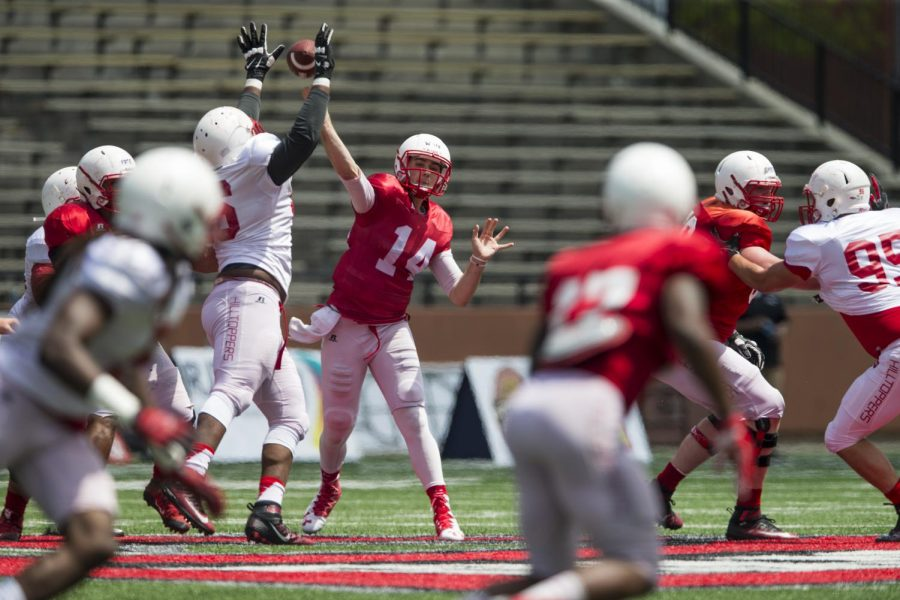 Quarterback+Mike+White+throws+the+ball+during+the+Hilltoppers+Red-White+game+on+Saturday+April+23%2C+2016+at+L.T.+Smith+Stadium+in+Bowling+Green%2C+Ky.%C2%A0Shaban+Athuman%2FHERALD