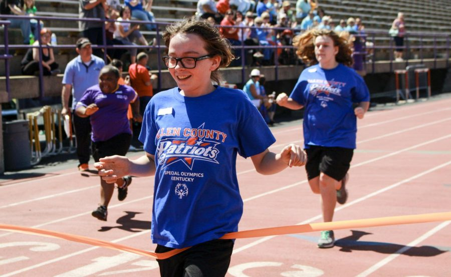 Makayla+Blankenship+12%2C+from+Scottsville%2C+Kentucky+runs+in+the+50+meter+dash+at+the+Special+Olympics+hosted+at+Bowling+Green+High+School%2C+on+Saturday+April%2C16.+Blankenship+came+in+1st+place+in+her+division+of+the+run.+MHARI+SHAW%2FHERALD