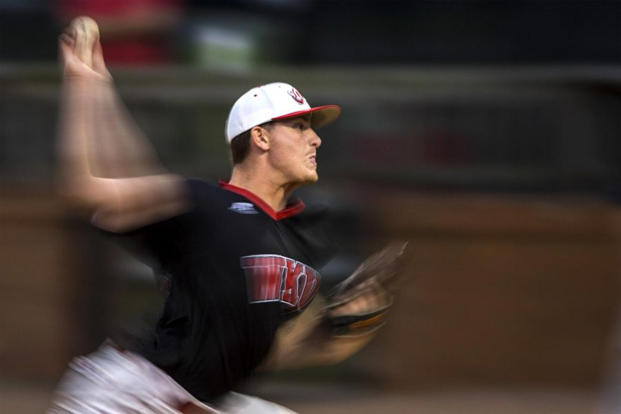 Junior+right+hand+pitcher+Cody+Coll+pitches+during+the+Hilltoppers+3-2+win+over+Belmont+University+on+Tuesday+April+19%2C+2016+at+Nick+Denes+Field+in+Bowling+Green%2C+Ky.+Coll+faced+17+batters+with+4+strikeouts.