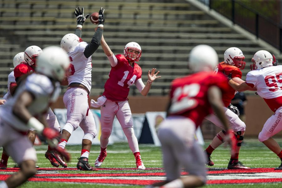 Quarterback+Mike+White+throws+the+ball+during+the+Hilltoppers+Red-White+game+on+Saturday+April+23%2C+2016+at+L.T.+Smith+Stadium+in+Bowling+Green%2C+Ky.